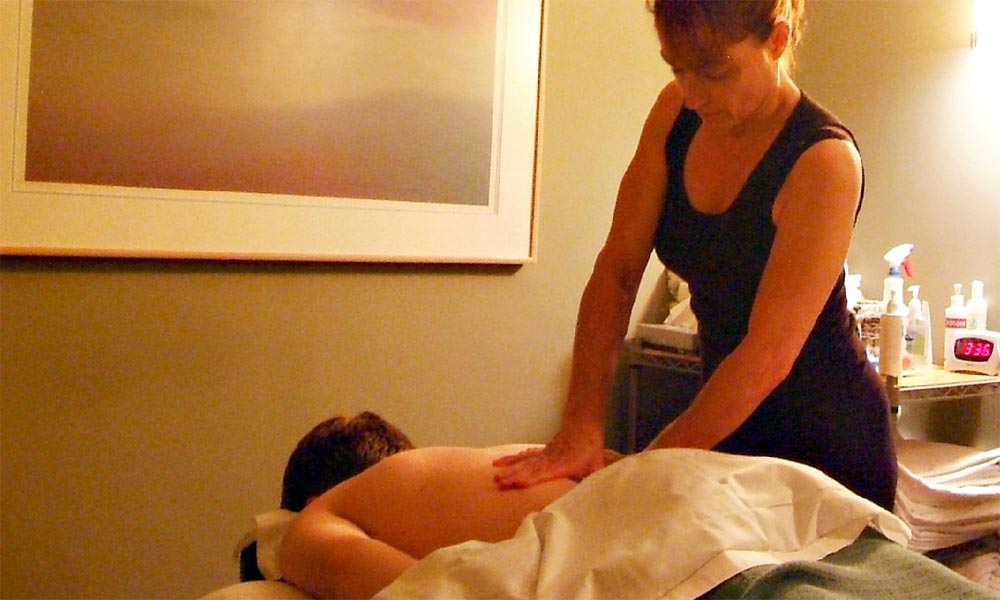 Bellevue Chiropractic Associates, Massage Therapy